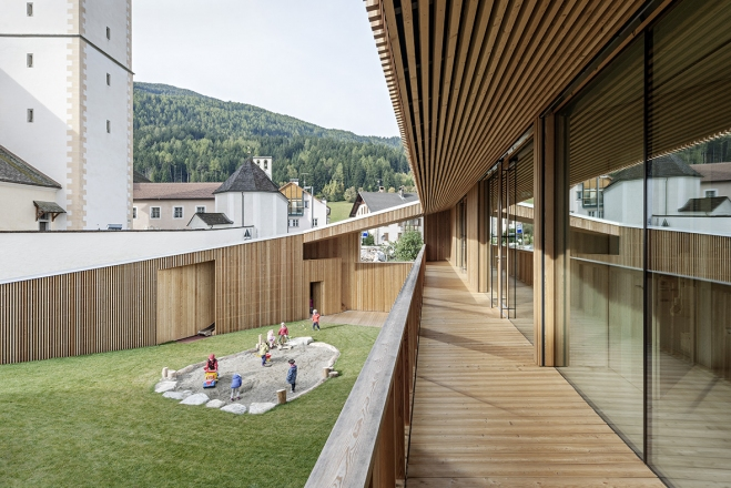 2017 Piranesi Honorable Mention: Kindergarten Niederolang, Olang, Italy, 2016, Feld72 Architekten, photo Hertha Hurnaus
